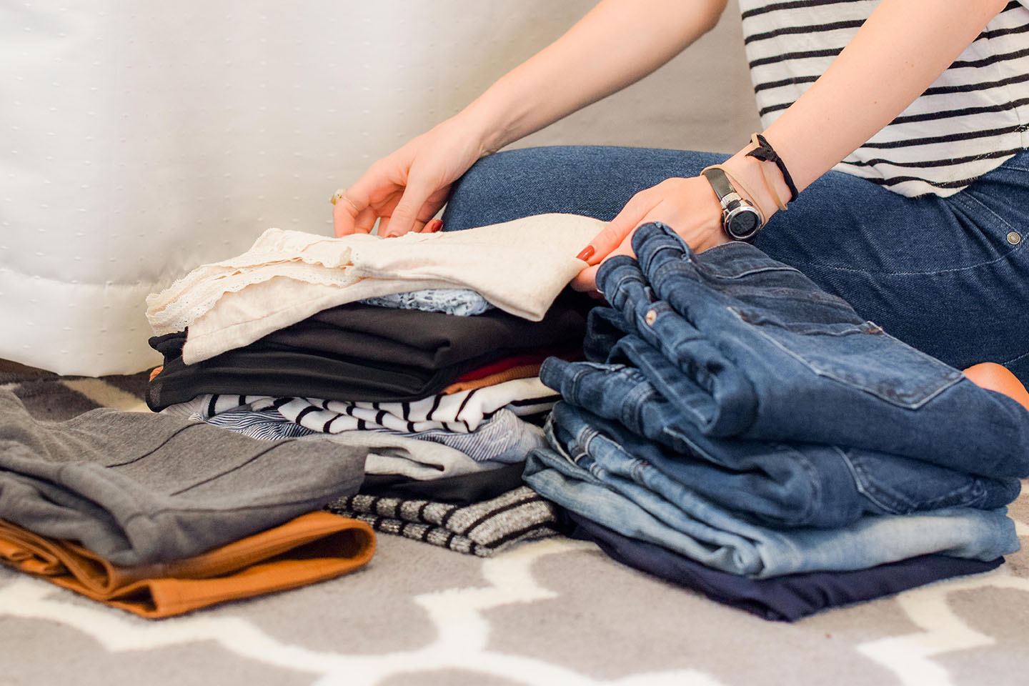 Tips-to-Declutter-and-Organize-your-Home-Closet